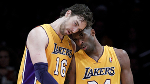 Pau Gasol junto a Kobe Bryant en los Lakers.