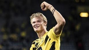 Haañland celebra la victoria del Borussia Dortmund ante el Borussia...
