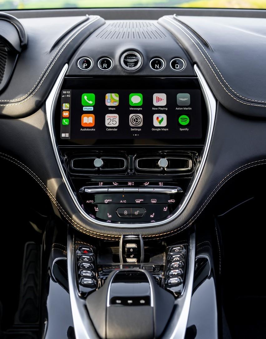 Prueba del Aston Martin DBX 2020.