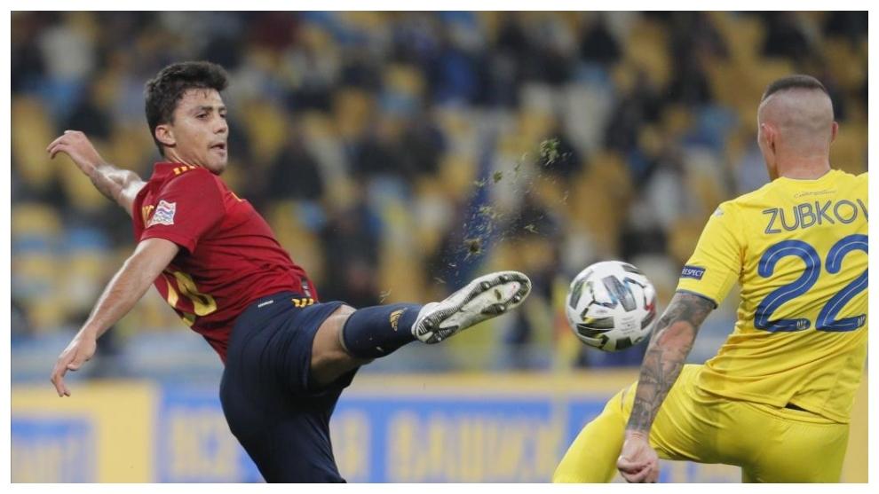 Rodri, durante el partido disputado en Kiev.