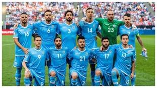 La selección de San Marino posa antes de un partido.