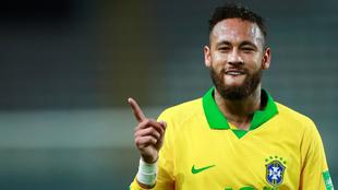 Neymar celebrando el primer gol ante Perú