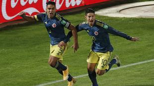 Radamel Falcao y James Rodríguez en festejo de gol