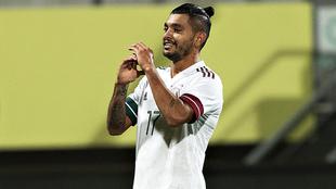 El Tecatito marcó un golazo ante Argelia