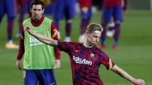 De Jong, junto a Messi.
