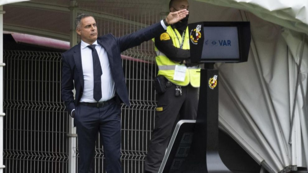 José Manuel Gomes, dando instrucciones durante el último partido del...