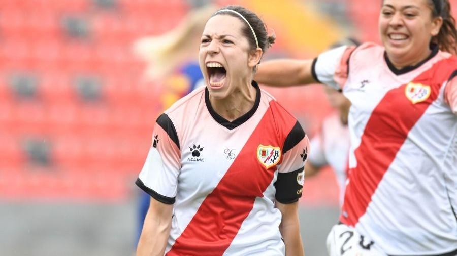Cristina Sánchez Auñón celebra un gol en Vallecas ante el...