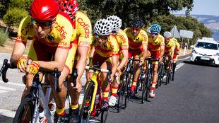 La selección española, durante un entrenamiento.