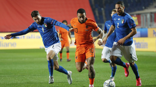 Italia y Holanda no pasan del empate.