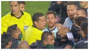 Instantánea de la bronca de Messi con Nava.