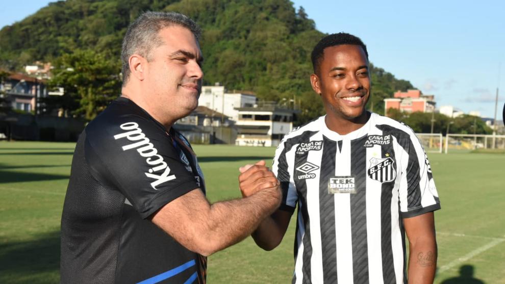 Robinho, en su presentación con el Santos.