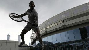 Una estatua de Rod Laver, en los alrededores de la pista australiana