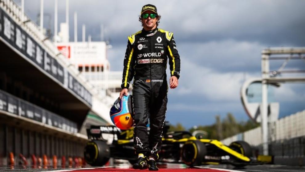 Fernando Alonso en los test del martes en Barcelona.