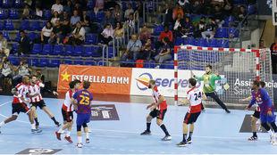 Momento del partido entre el Barcelona y el Puerto Sagunto /