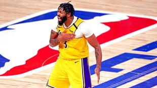 Anthony Davis en un duelo de las Finales con los Lakers.