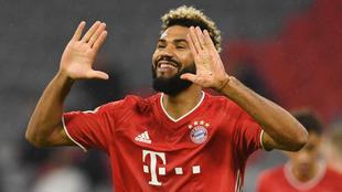 Choupo-Moting en festejo con el Bayern.