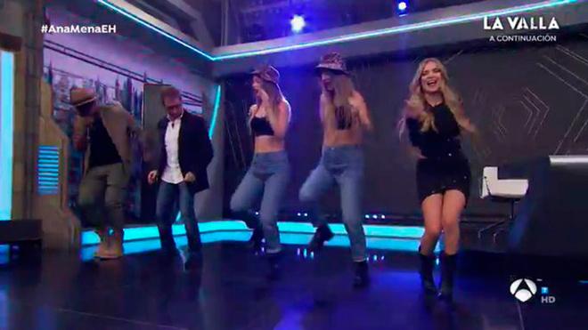 El Hormiguero: Ana Mena baila junto a las Twin Melody y Pablo Motos.