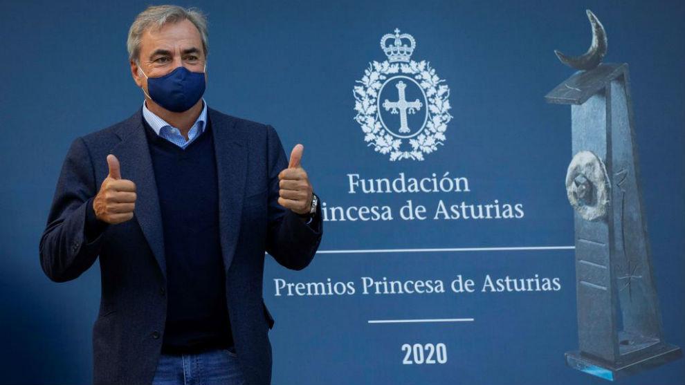 Carlos Sainz, a su llegada al Hotel Reconquista.