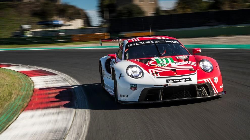 Al volante del Porsche 911 RSR: conducimos uno de los mitos de Le Mans