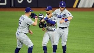 Los Dodgers se niegan a morir y vencen a los Braves.