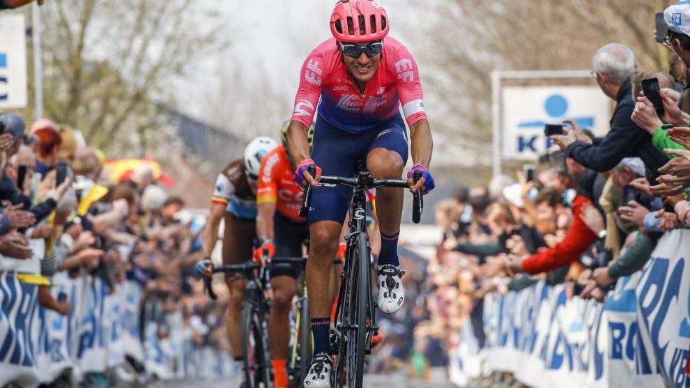 Alberto Bettiol, a su paso por el Oude Kwaremont el año pasado.