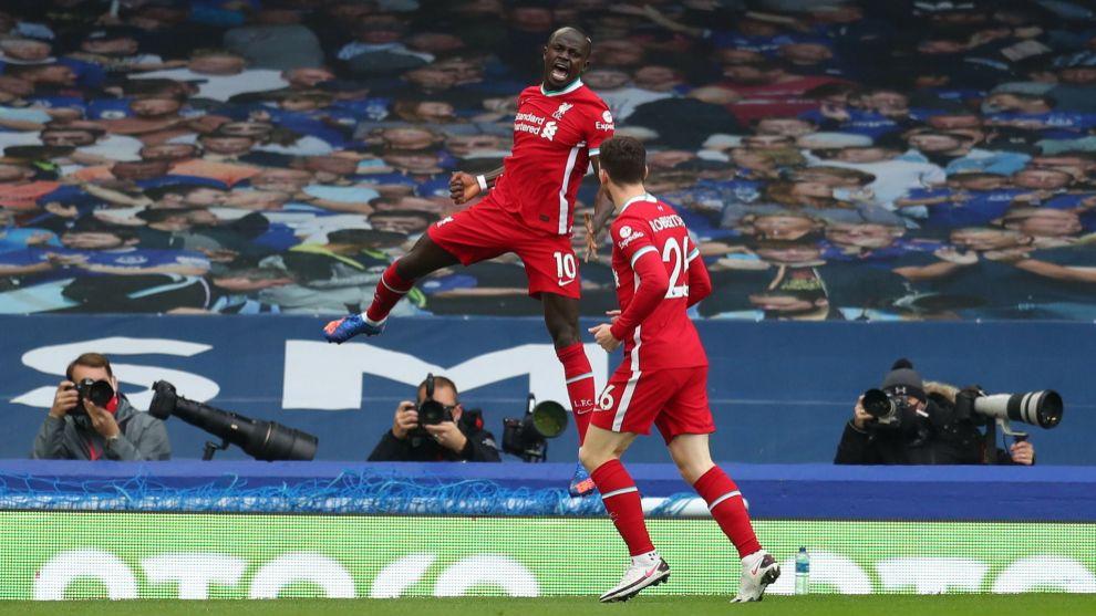 Everton y Liverpool empatan en un gran derbi de Merseyside