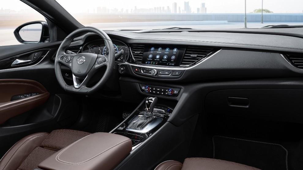 Opel: Al volante del Opel Insignia 2021: la eficiencia ...