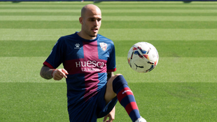 Sandro Ramírez en su presentación con la SD Huesca