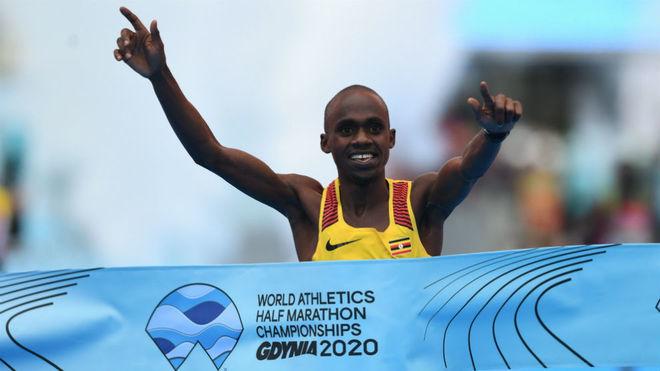El ugandés Kiplimo, campeón del mundo de medio maratón con sólo 19 años