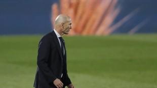 Zinedine Zidane, en un momento del partido ante el Cadiz disputado en...