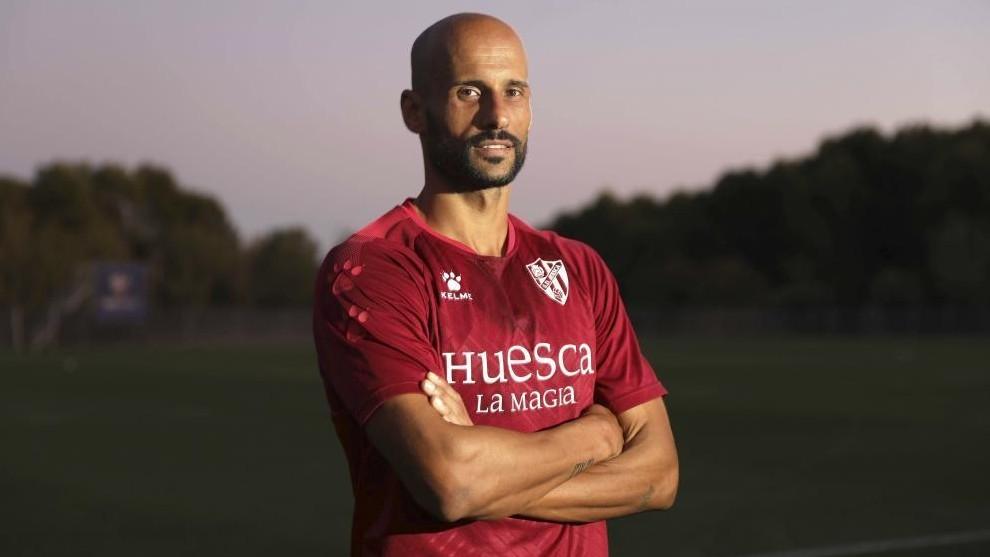 Mikel Rico, baja por Covid en el Huesca frente al Real Valladolid