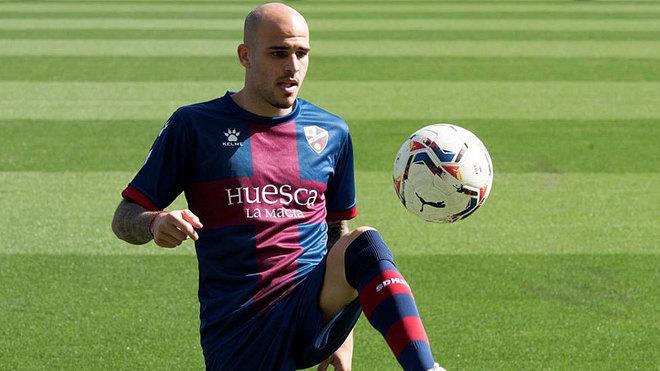 Alineaciones confirmadas del Huesca - Valladolid: Sandro tendrá que esperar y Roberto se mantiene como titular