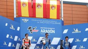 Álex Rins, Marc Márquez y Joan MIr, en el podio del Gran Premio de...