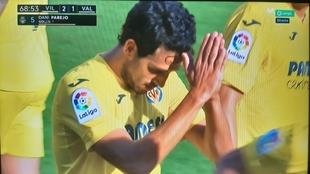 Golazo de Parejo al Valencia: casi lo celebra y luego se disculpa