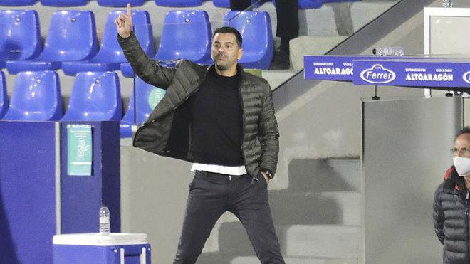 Míchel, durante un momento del partido ante el Valladolid.
