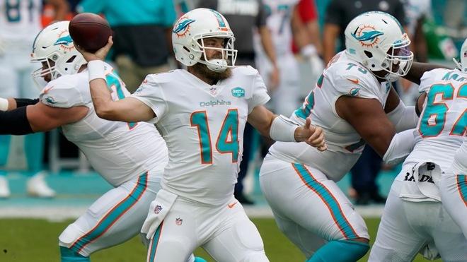 Dolphins blanquean a los Jets, que siguen sin ganar