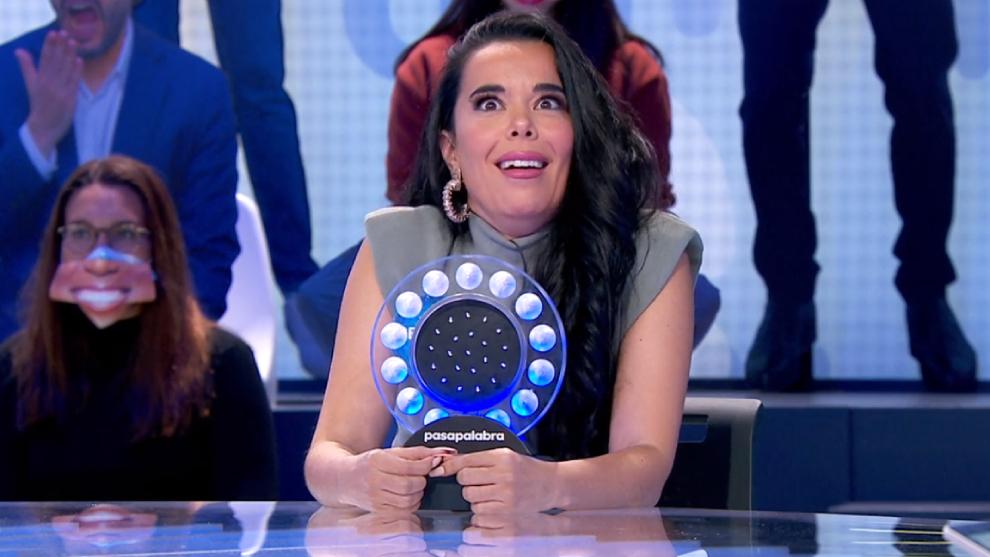 La actriz y cantante Beatriz Luengo en Pasapalabra no da crédito sobre lo que dicen los concursantes sobre la serie Un paso adelante