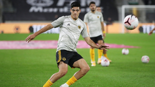 Raúl Jiménez busca mejorar sus registros con el Wolverhampton. |