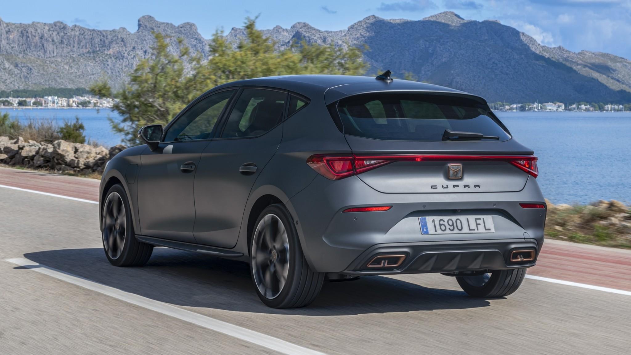 Cupra León e-Hybrid: cuesta 42.380 euros y ruge igual si va en eléctrico o en combustión