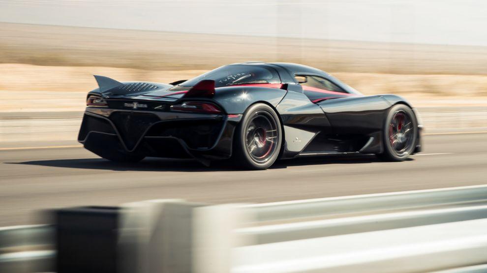 SSC Tuatara récord del mundo de velocidad 508,73 km/h.