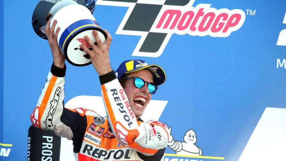 Álex Márquez, en el podio el pasado domingo.