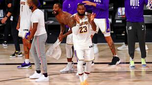 LeBron James en el título de los Lakers.