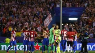 Neuer y Oblak se saludan en un Atlético-Bayern