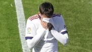 Jonathan Calleri abandona el terreno de juego en Ipurúa con gestos de...