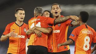 Los jugadores del Shakhtar, celebrando un gol.