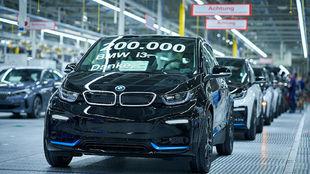 Este BMW i3 de 184 caballos hizo el número 200.000 de la producción...