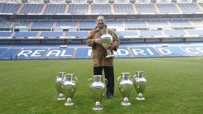 Paco Gento, con sus seis Copas de Europa.