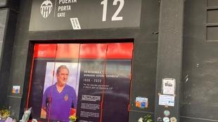 Españeta ya tiene su puerta en Mestalla.