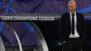 Zinedine Zidane, durante el partido ante el Shakhtar.