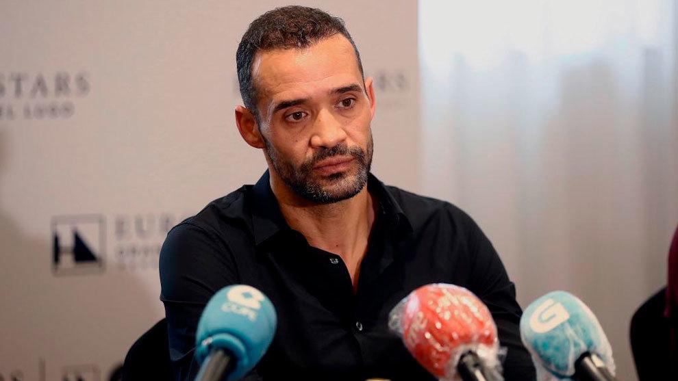 Juanfran, durante una rueda de prensa.